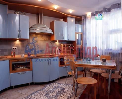 2-комнатная квартира (75м2) в аренду по адресу Галстяна ул., 1— фото 3 из 3