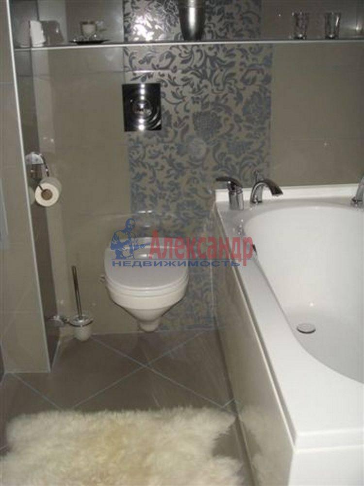 2-комнатная квартира (69м2) в аренду по адресу Сестрорецк г., Токарева ул.— фото 4 из 4