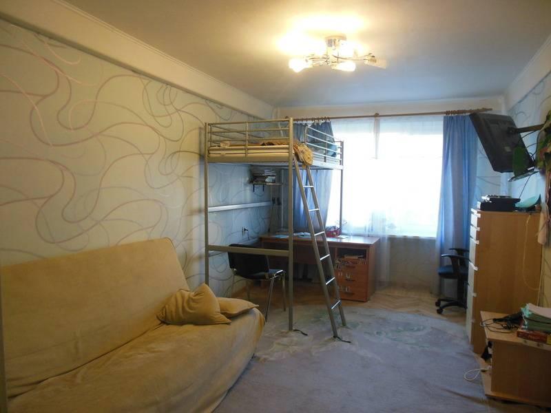2-комнатная квартира (52м2) в аренду по адресу Брянцева ул., 2— фото 3 из 7