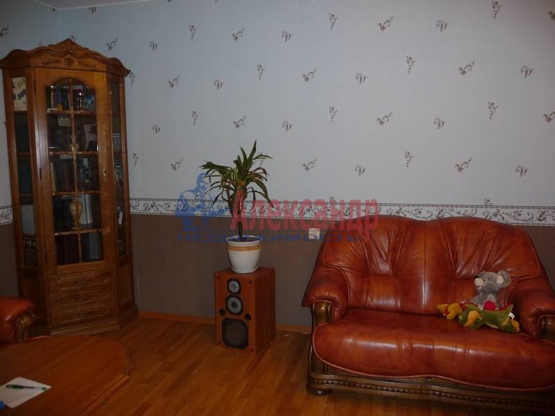 3-комнатная квартира (103м2) в аренду по адресу Ветеранов пр., 122— фото 1 из 17