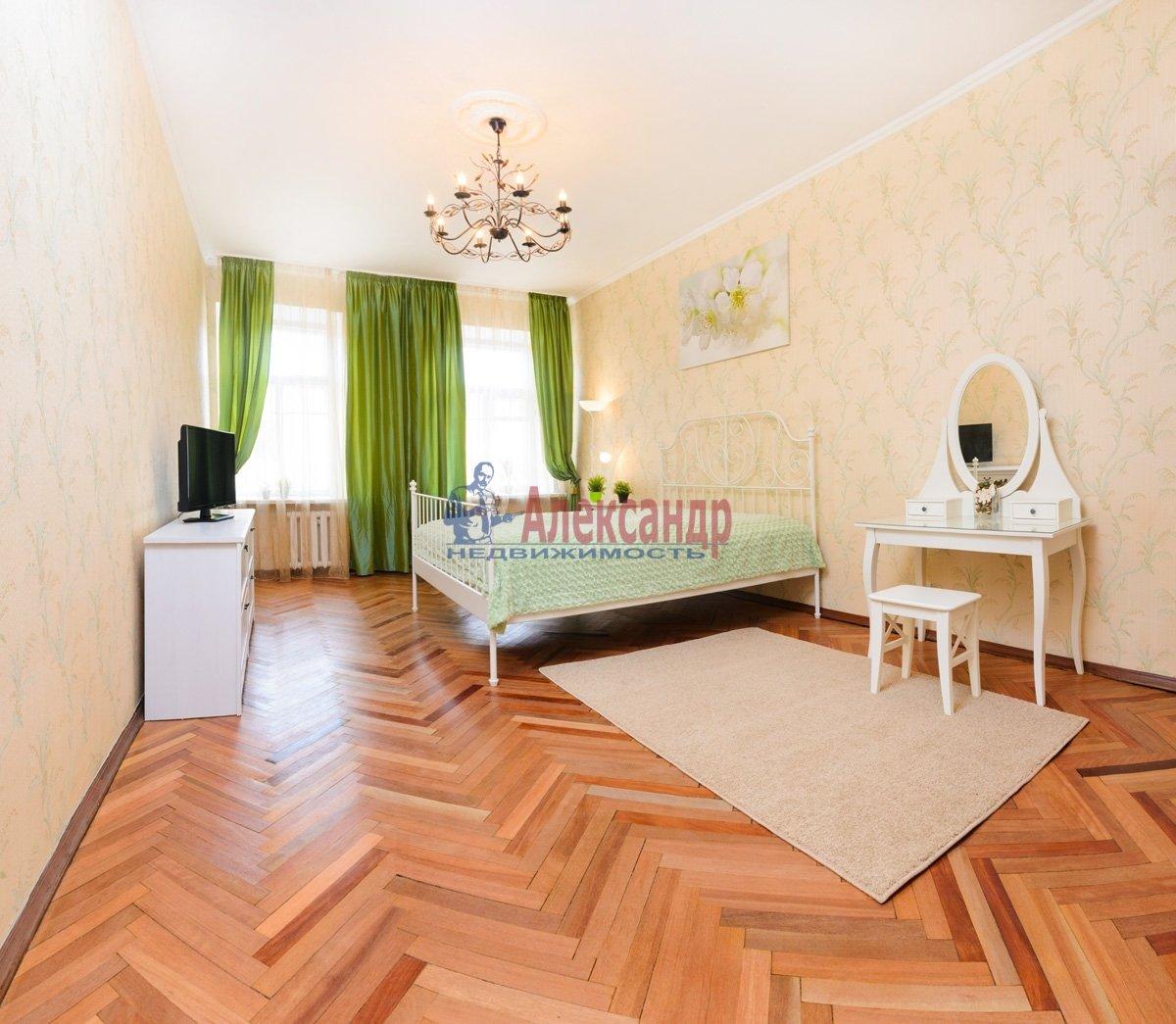 3-комнатная квартира (120м2) в аренду по адресу Правды ул., 5— фото 1 из 12