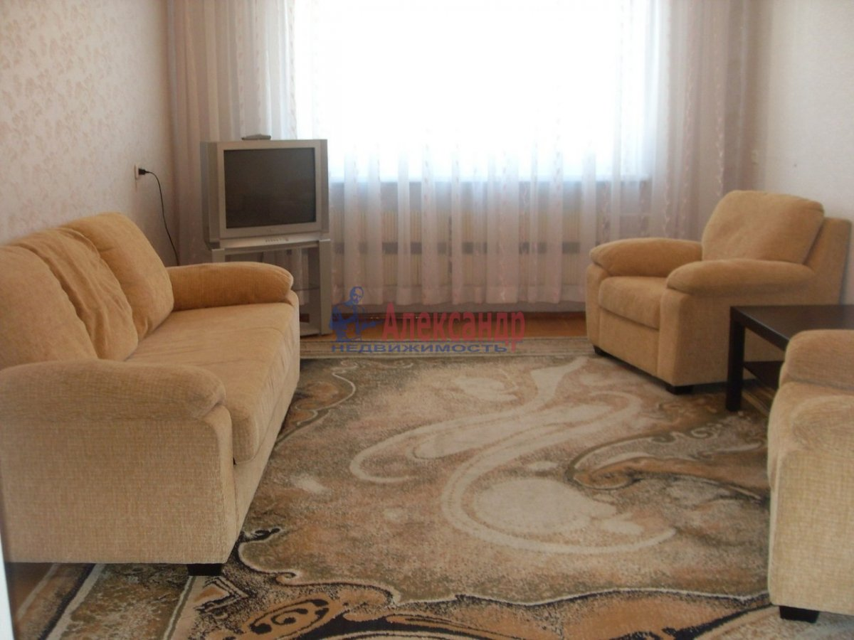 1-комнатная квартира (35м2) в аренду по адресу Наставников пр., 30— фото 1 из 3