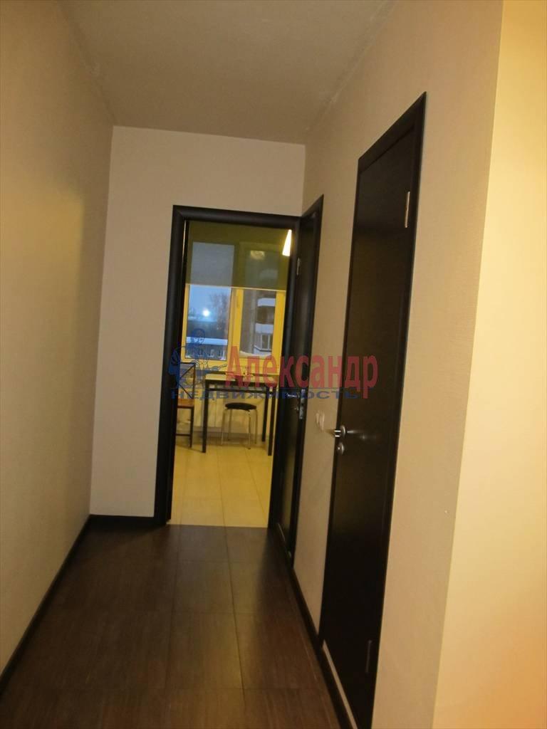 1-комнатная квартира (40м2) в аренду по адресу Маршала Блюхера пр., 21— фото 5 из 13