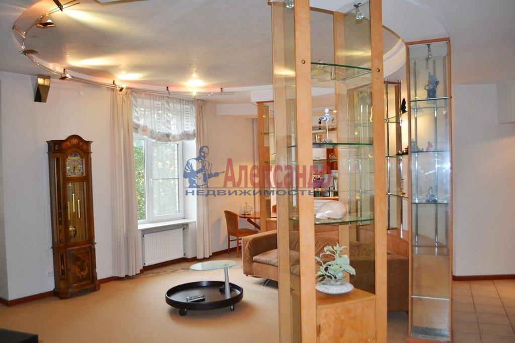 3-комнатная квартира (93м2) в аренду по адресу Суворовский пр., 62— фото 2 из 14