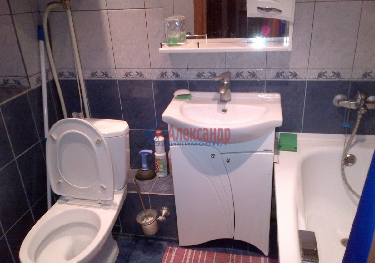 Комната в 3-комнатной квартире (71м2) в аренду по адресу Ярослава Гашека ул., 2— фото 3 из 5