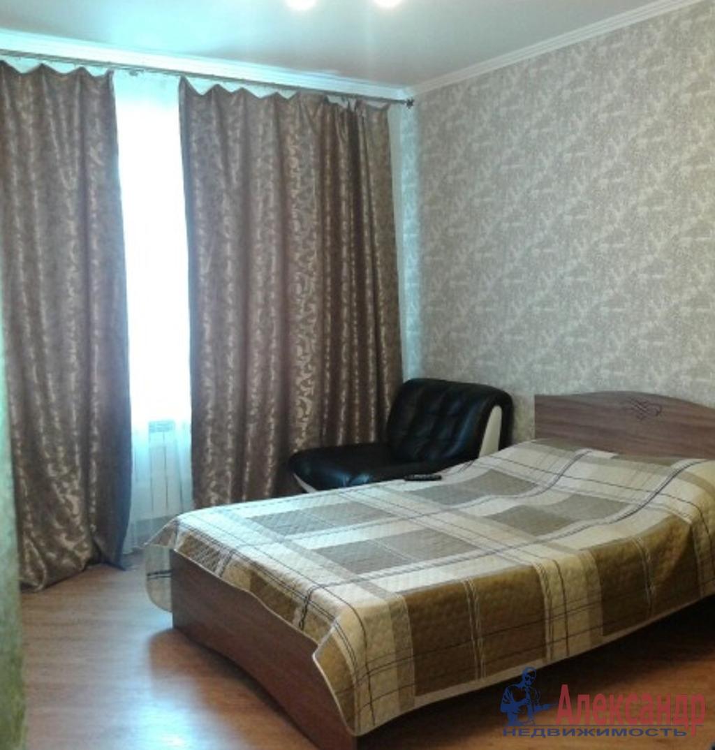 2-комнатная квартира (72м2) в аренду по адресу Просвещения просп., 53— фото 4 из 4