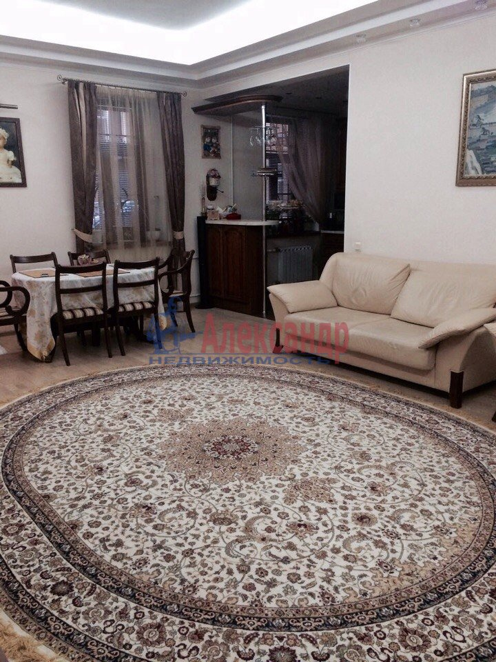 3-комнатная квартира (80м2) в аренду по адресу Кирочная ул., 22— фото 4 из 15