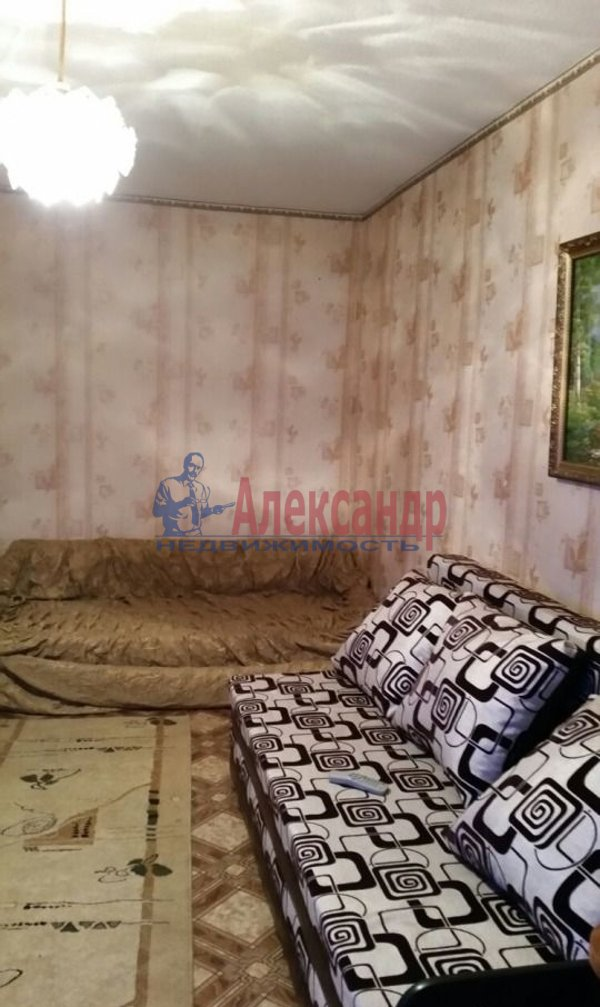 1-комнатная квартира (38м2) в аренду по адресу Дыбенко ул., 27— фото 3 из 4
