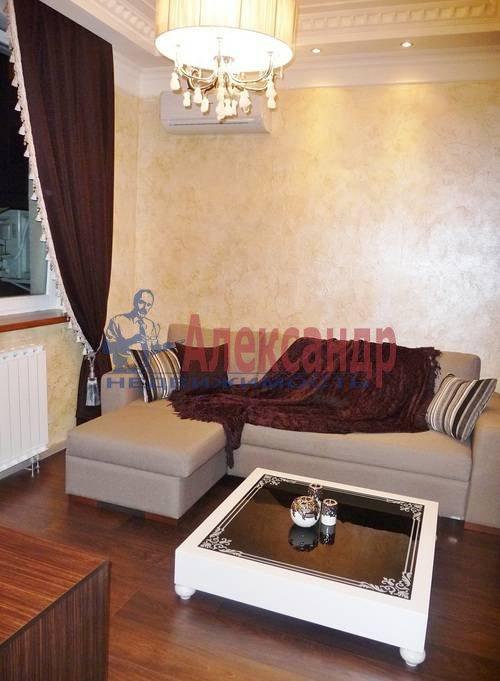 2-комнатная квартира (67м2) в аренду по адресу Счастливая ул., 14— фото 2 из 11