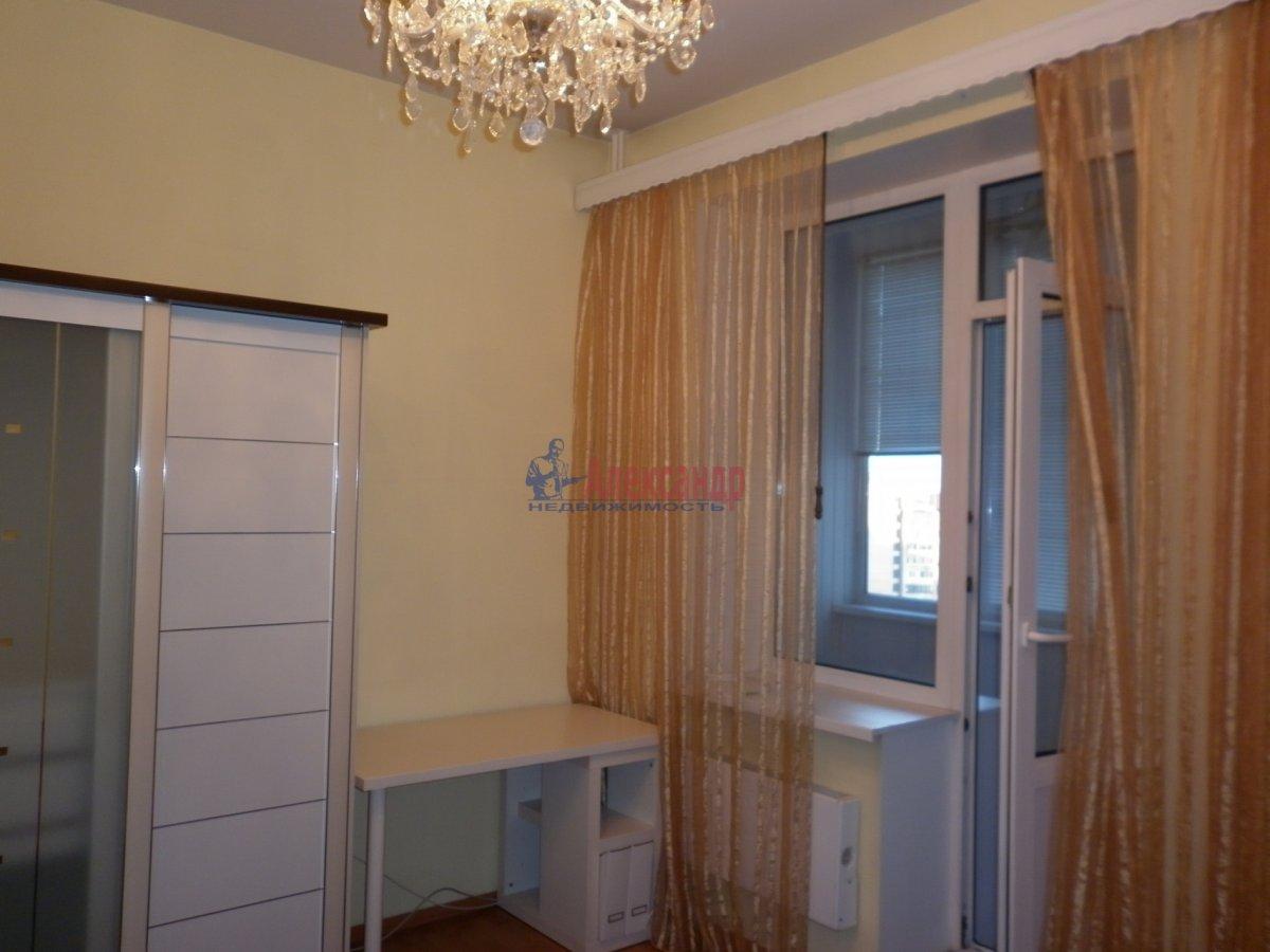 2-комнатная квартира (80м2) в аренду по адресу Асафьева ул., 5— фото 2 из 11