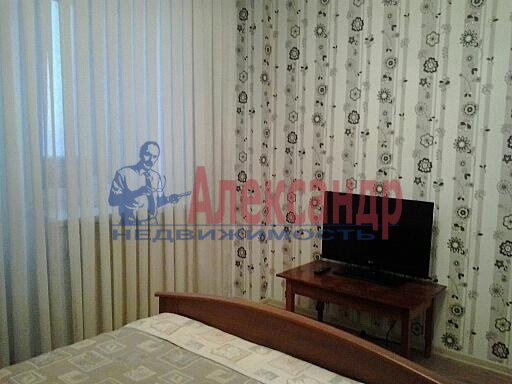 1-комнатная квартира (35м2) в аренду по адресу Димитрова ул., 41— фото 3 из 5