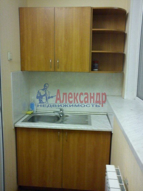 1-комнатная квартира (35м2) в аренду по адресу Чудновского ул., 1— фото 1 из 6
