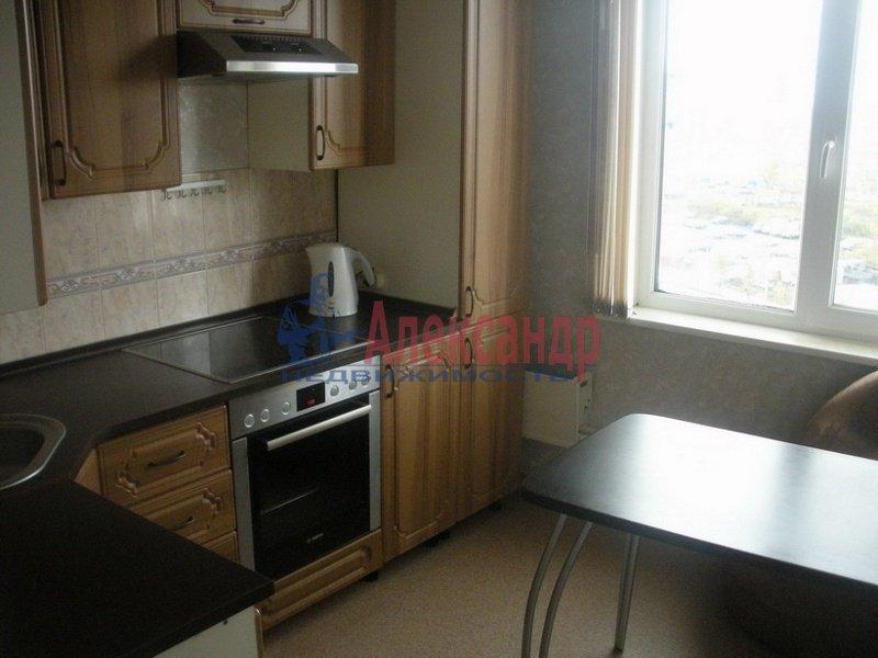 1-комнатная квартира (35м2) в аренду по адресу Маршала Говорова ул., 8— фото 2 из 3