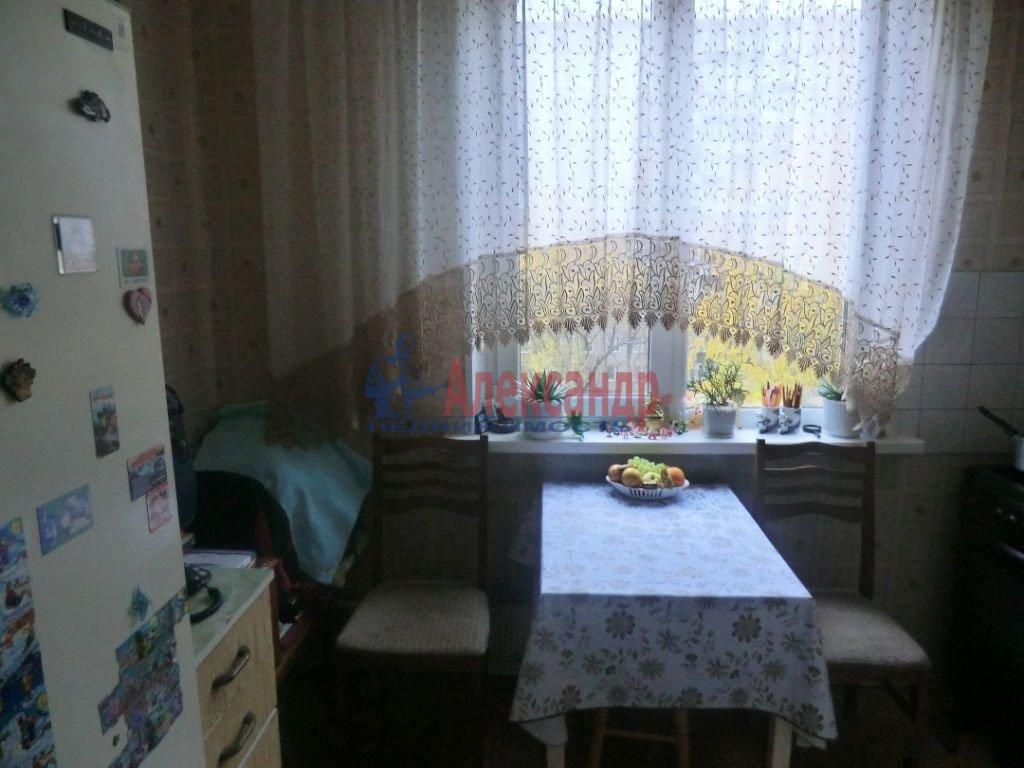 1-комнатная квартира (42м2) в аренду по адресу Московский пр., 106— фото 2 из 2