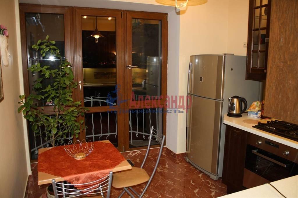 2-комнатная квартира (60м2) в аренду по адресу Мытнинская наб., 7/5— фото 5 из 10