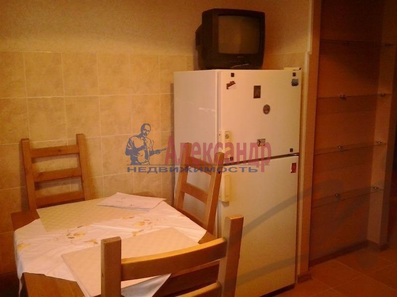 1-комнатная квартира (36м2) в аренду по адресу Ильюшина ул., 10— фото 2 из 5