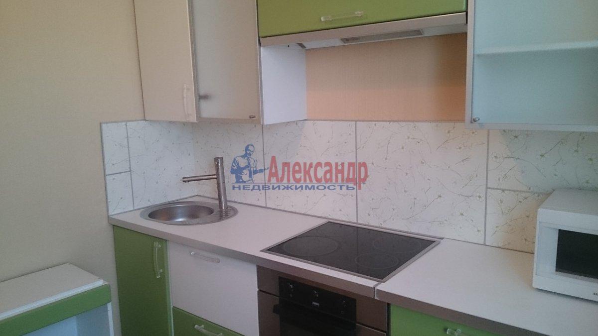 1-комнатная квартира (37м2) в аренду по адресу Ярослава Гашека ул., 15— фото 3 из 12