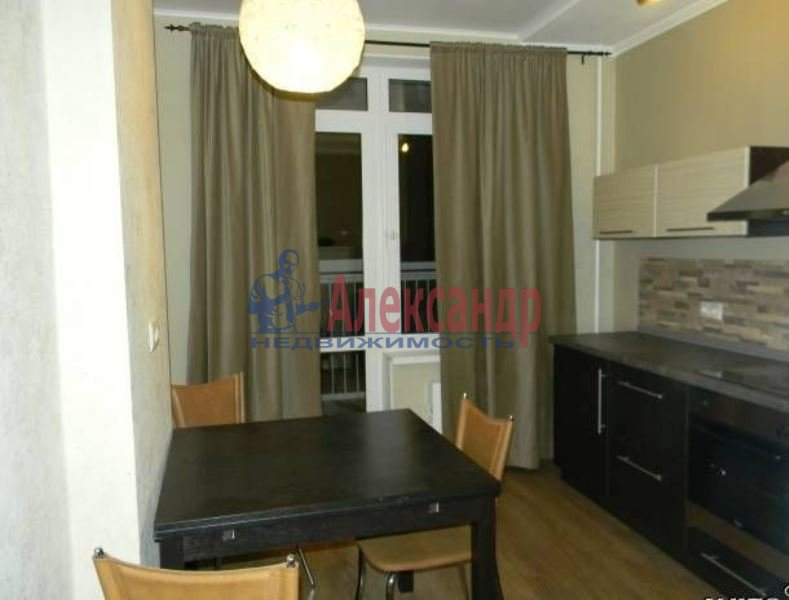 1-комнатная квартира (40м2) в аренду по адресу Катерников ул., 5— фото 1 из 4