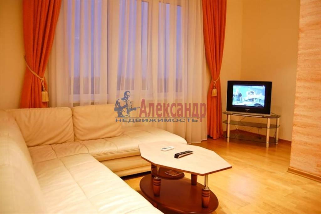 1-комнатная квартира (42м2) в аренду по адресу Коломяжский пр., 20— фото 1 из 3