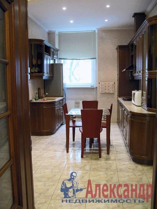 2-комнатная квартира (80м2) в аренду по адресу Веденеева ул., 2— фото 1 из 9