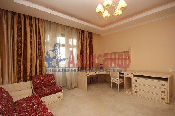 2-комнатная квартира (80м2) в аренду по адресу Галерный прд., 5— фото 1 из 3