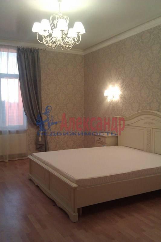 2-комнатная квартира (80м2) в аренду по адресу Петрозаводская ул., 13— фото 1 из 10