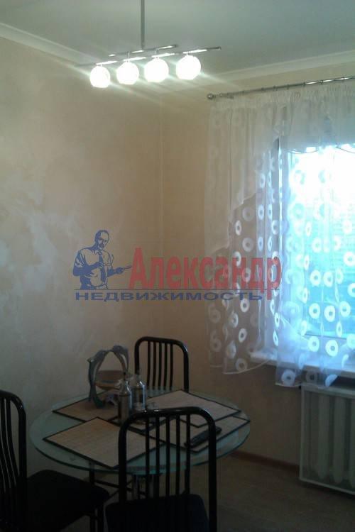 2-комнатная квартира (61м2) в аренду по адресу Коломяжский пр., 26— фото 3 из 12