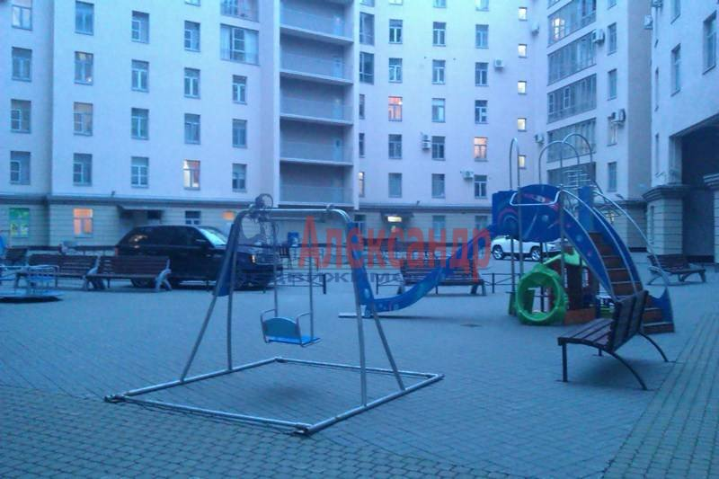 2-комнатная квартира (80м2) в аренду по адресу Петрозаводская ул., 13— фото 10 из 10