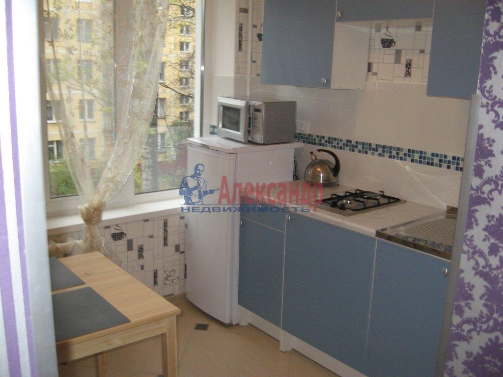1-комнатная квартира (40м2) в аренду по адресу Федора Абрамова ул., 8— фото 1 из 2