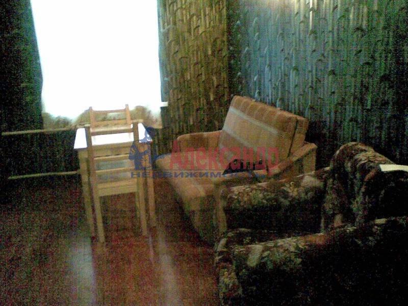 2-комнатная квартира (72м2) в аренду по адресу Ефимова ул.— фото 2 из 7