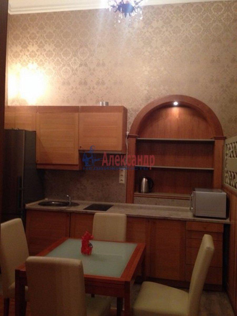 2-комнатная квартира (72м2) в аренду по адресу Реки Фонтанки наб., 64— фото 2 из 7