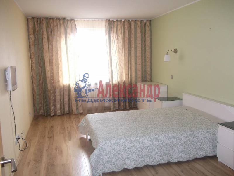 3-комнатная квартира (100м2) в аренду по адресу Космонавтов просп., 61— фото 5 из 10