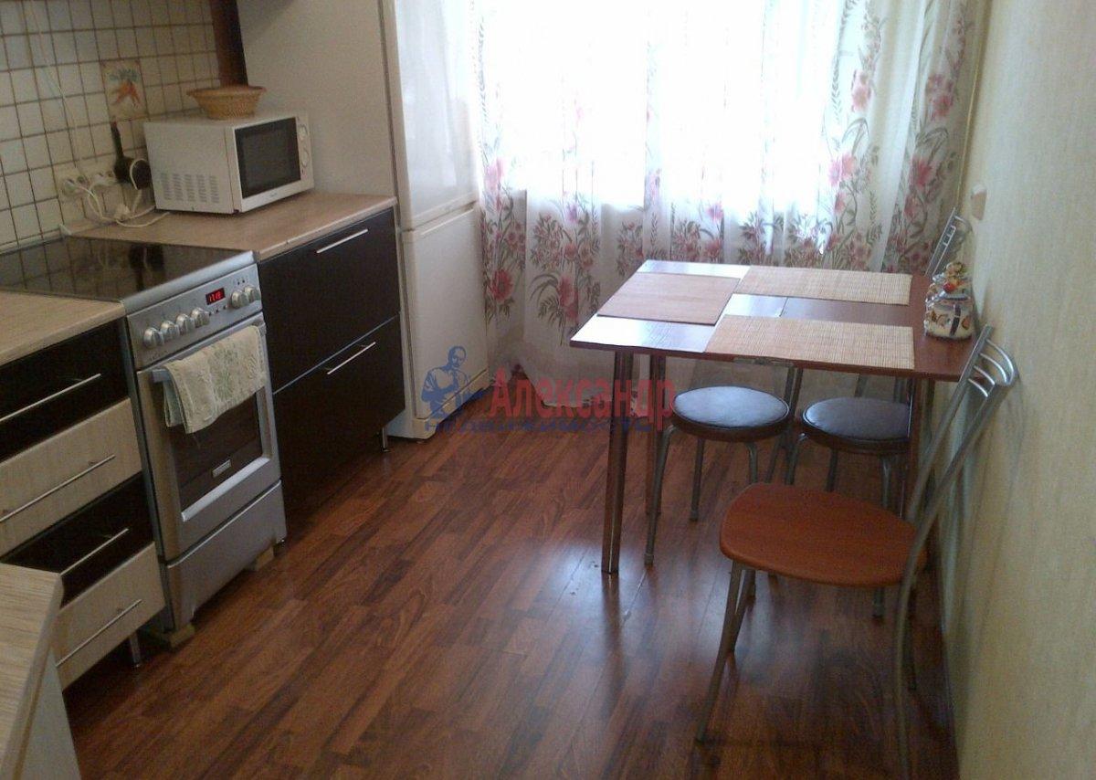 Комната в 3-комнатной квартире (71м2) в аренду по адресу Ярослава Гашека ул., 2— фото 5 из 5