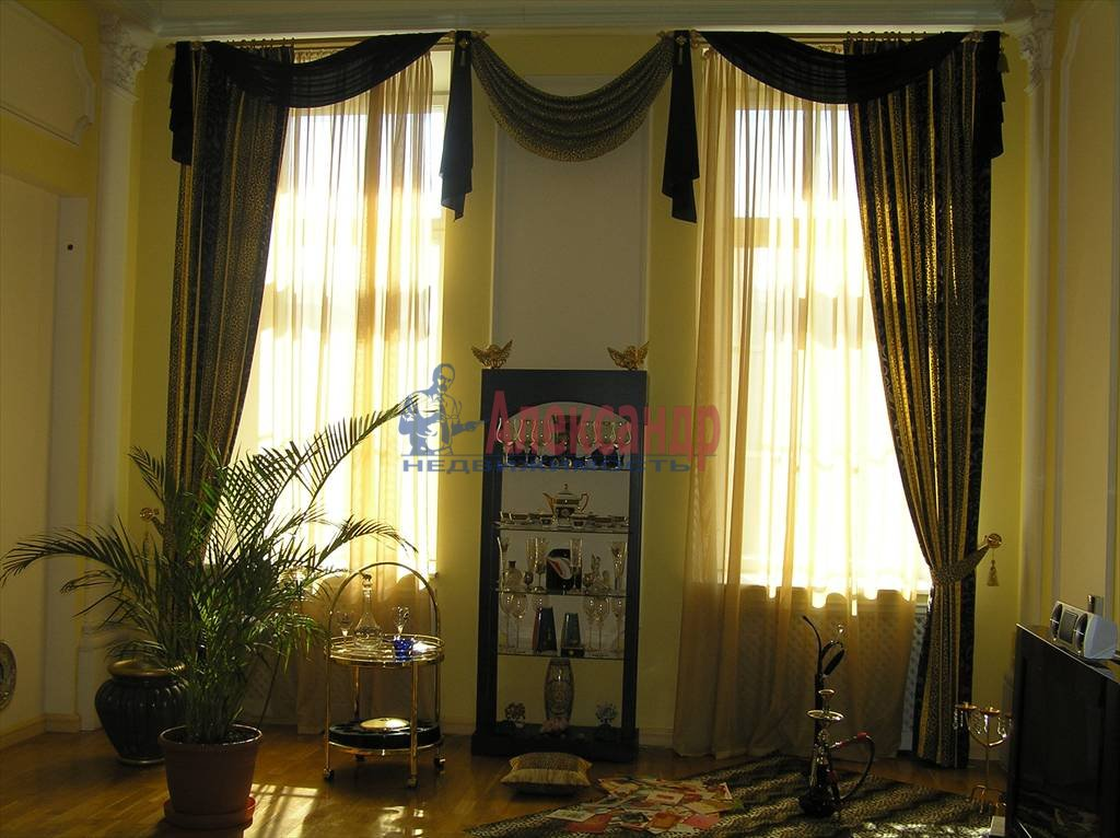 4-комнатная квартира (170м2) в аренду по адресу Невский пр., 88— фото 1 из 4