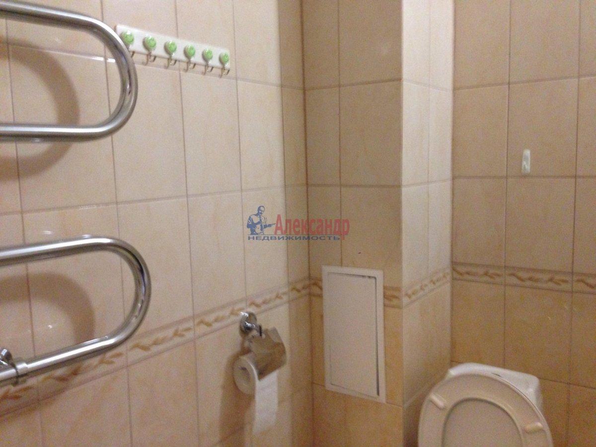 1-комнатная квартира (42м2) в аренду по адресу Оптиков ул., 35— фото 7 из 17