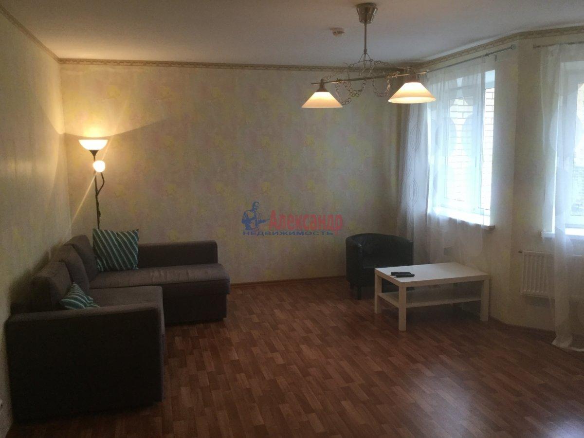2-комнатная квартира (62м2) в аренду по адресу Михаила Дудина ул., 25— фото 3 из 5