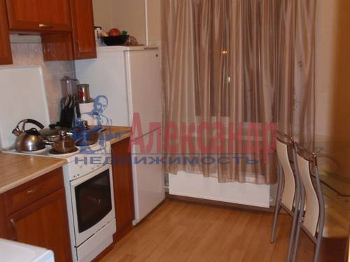1-комнатная квартира (45м2) в аренду по адресу Комендантский пр., 7— фото 1 из 3