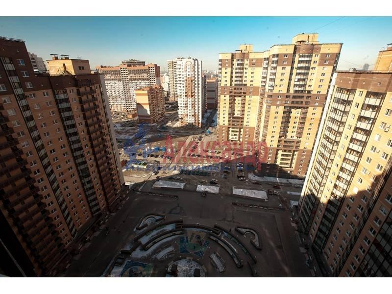 1-комнатная квартира (47м2) в аренду по адресу Космонавтов просп., 61— фото 1 из 5