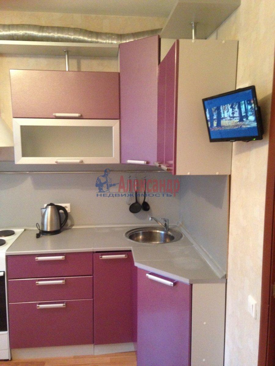 1-комнатная квартира (40м2) в аренду по адресу Сикейроса ул., 7— фото 3 из 15