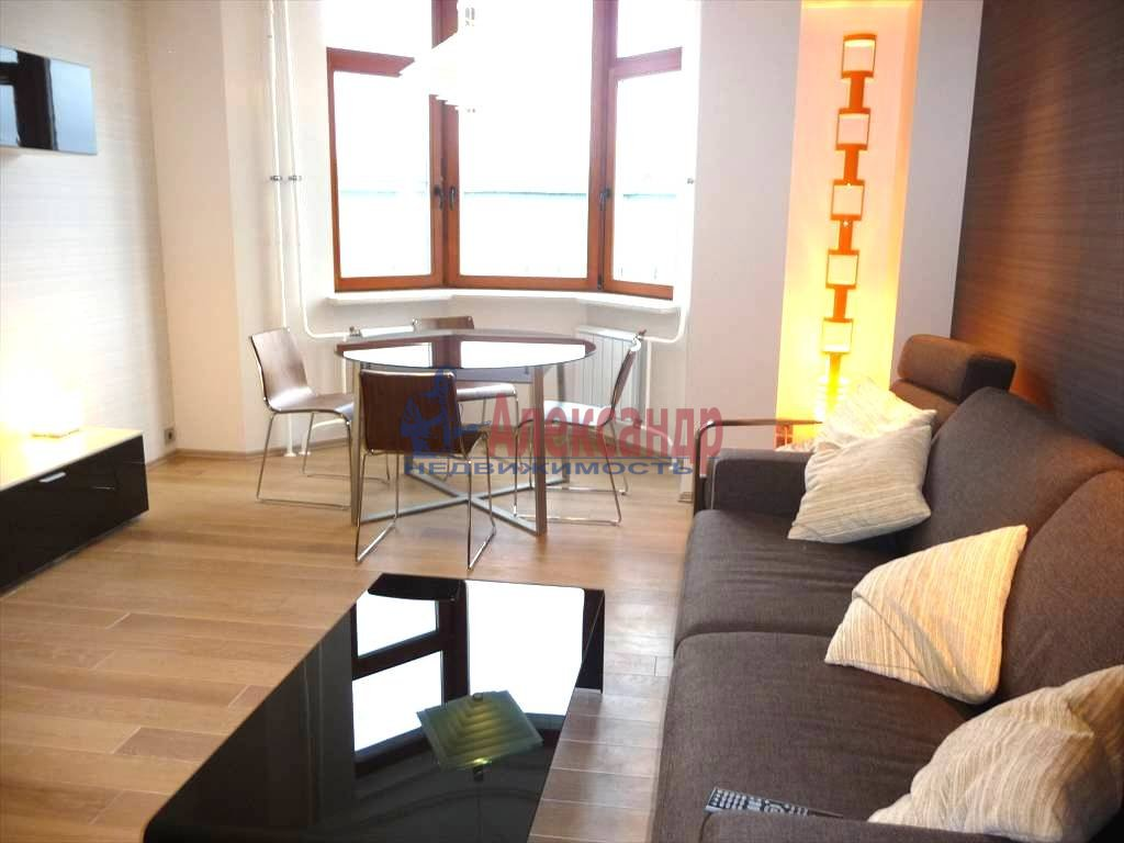 3-комнатная квартира (130м2) в аренду по адресу Каменноостровский пр., 40— фото 1 из 8