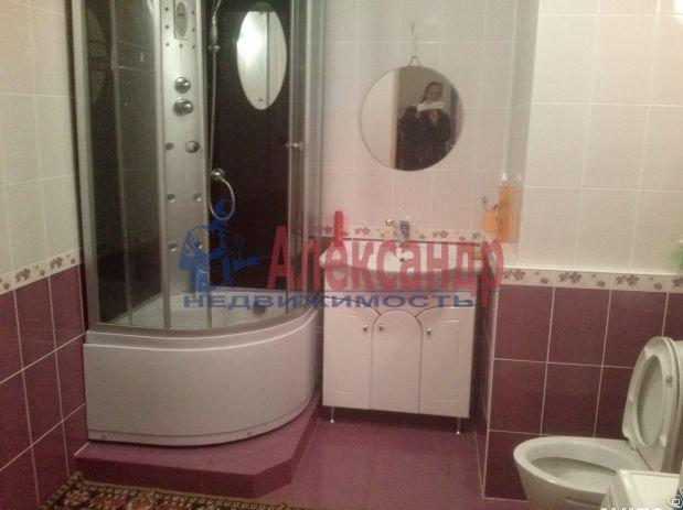 1-комнатная квартира (42м2) в аренду по адресу Коломяжский пр., 15— фото 3 из 3