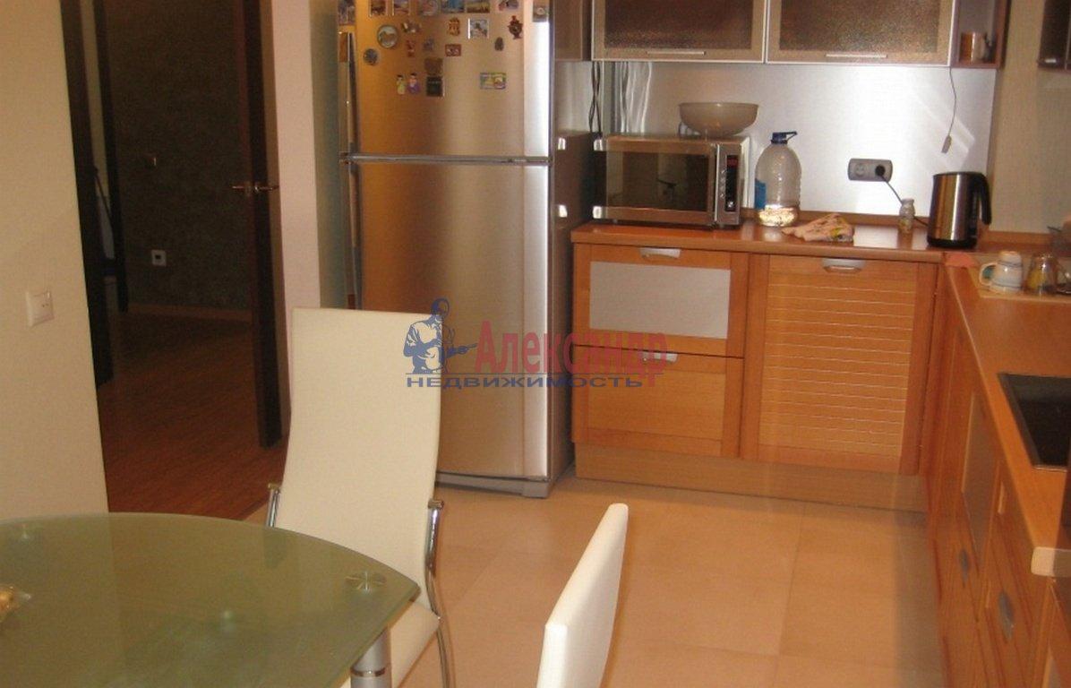 3-комнатная квартира (95м2) в аренду по адресу Композиторов ул., 12— фото 3 из 4