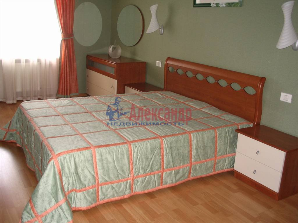 3-комнатная квартира (90м2) в аренду по адресу Шпалерная ул., 42— фото 1 из 7