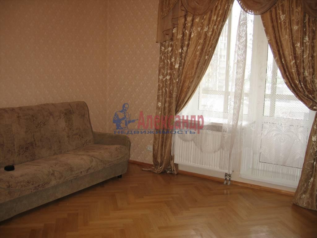 1-комнатная квартира (45м2) в аренду по адресу Кораблестроителей ул., 32— фото 1 из 14