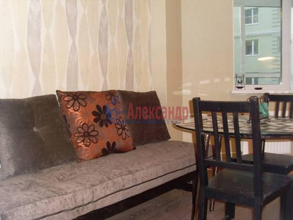 1-комнатная квартира (50м2) в аренду по адресу Стачек пр., 92— фото 2 из 16