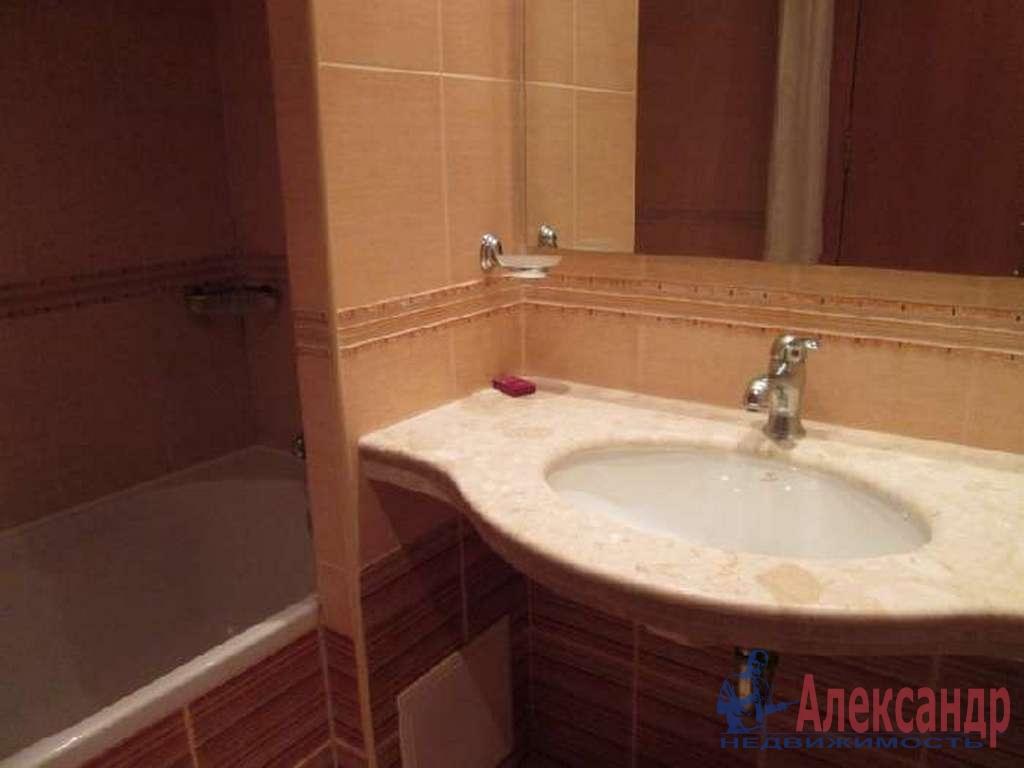 3-комнатная квартира (95м2) в аренду по адресу Композиторов ул., 12— фото 4 из 4