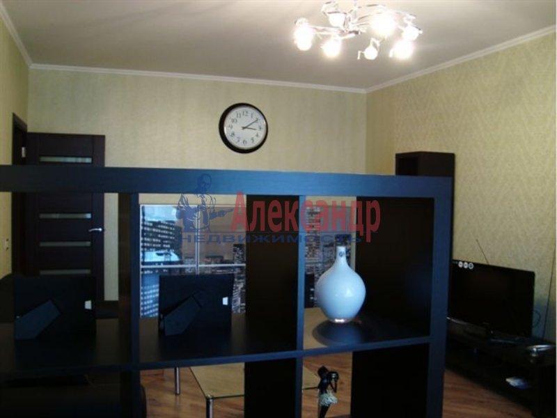 1-комнатная квартира (33м2) в аренду по адресу Маршала Говорова ул., 12— фото 2 из 3