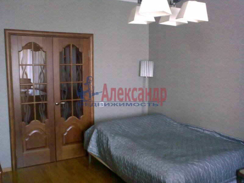 2-комнатная квартира (62м2) в аренду по адресу Бадаева ул., 6— фото 4 из 5
