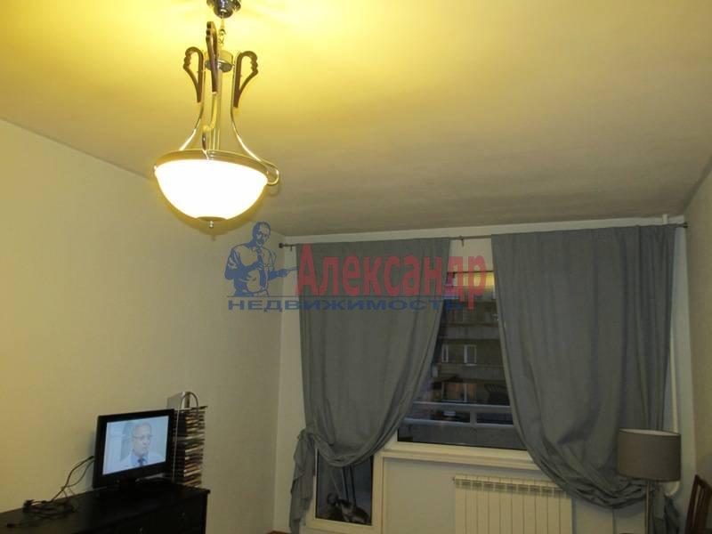 1-комнатная квартира (40м2) в аренду по адресу Маршала Блюхера пр., 21— фото 4 из 13