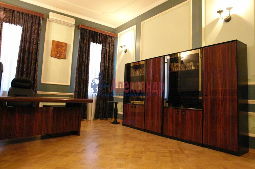 4-комнатная квартира (182м2) в аренду по адресу Галерная ул., 19— фото 6 из 14